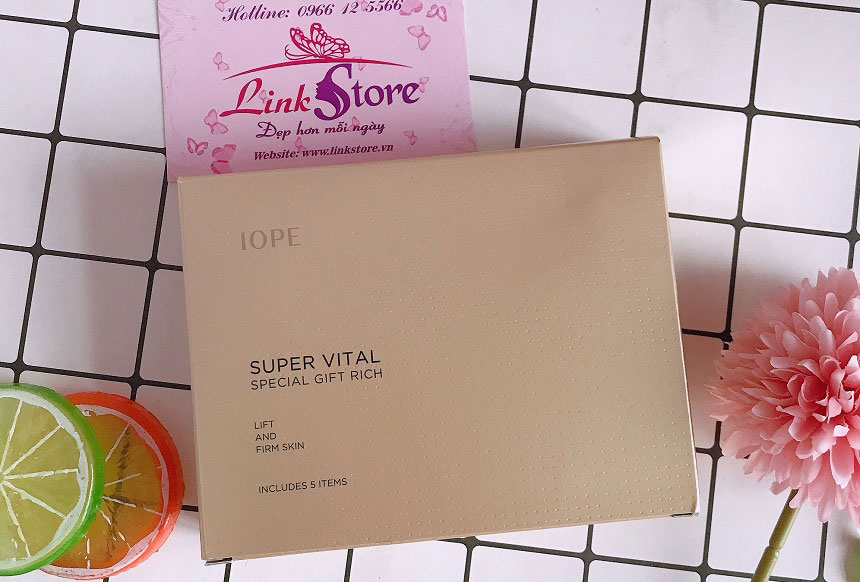 IOPE Super Vital Vip Special Gift Rich