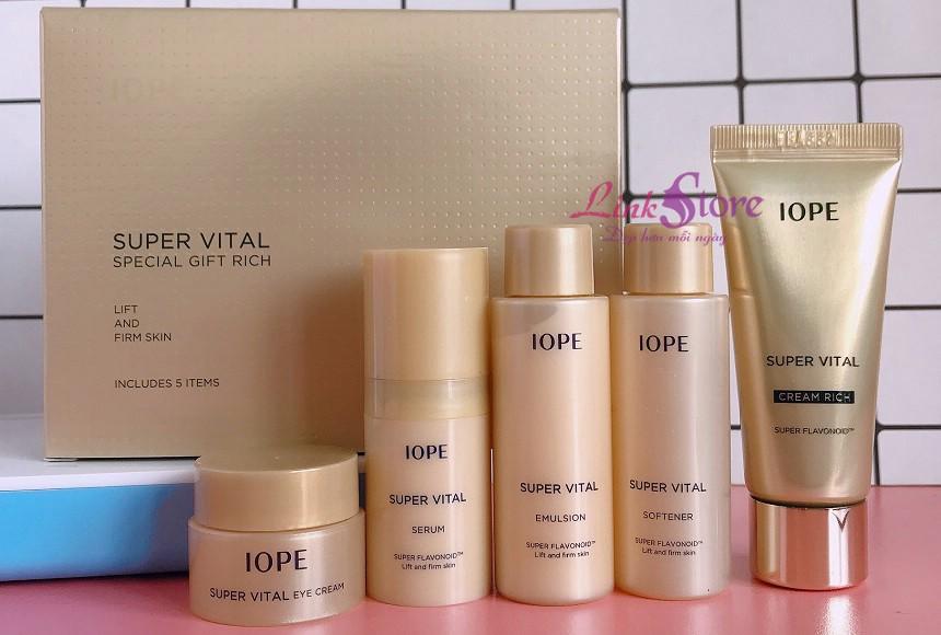 Bộ dưỡng mini chống lão hóa IOPE Super Vital Vip Special Gift Rich