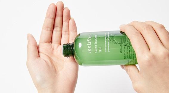 Nước hoa hồng Innisfree Green Tea Seed Skin - Dưỡng ẩm chuyên sâu với chiết xuất trà xanh.
