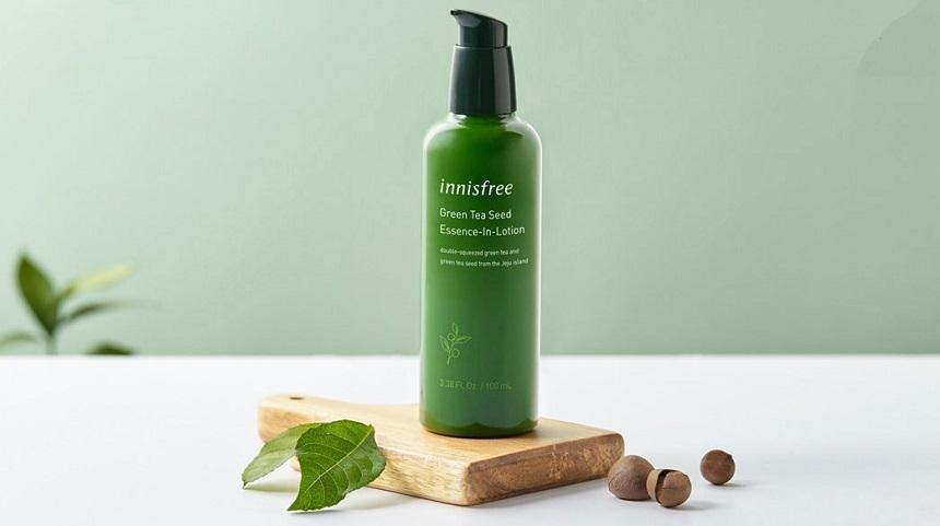Sữa dưỡng Innisfree Green Tea Seed Essence-In-Lotion: Sản phẩm 2 in 1 sữa dưỡng kết hợp tinh chất.