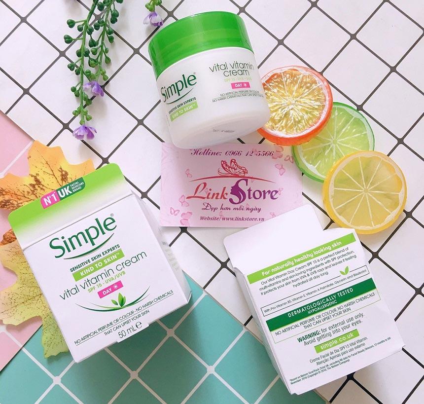 Kem dưỡng da ban ngày Simple Vital Vitamin Cream Day SPF15 - Kem dưỡng ẩm, chống nắng hiệu quả...