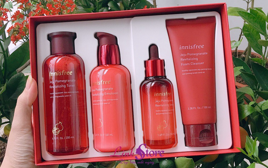 Bộ dưỡng lựu Innisfree Jeju Pomegranate Revitalizing Skin Care Special Set