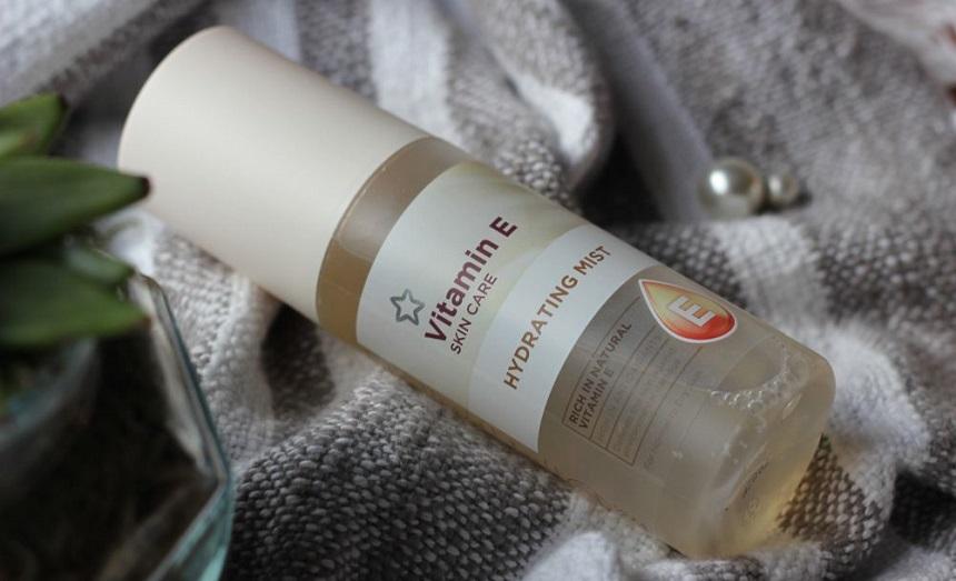 Xịt khoáng Superdrug Vitamin E Skin Care Hydrating Mist - Cấp ẩm tức thì cho da...